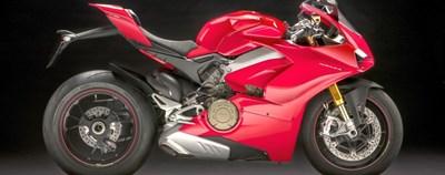 Ducati 2018- V4 Desmosedici Stradale - News 2018