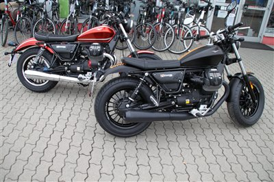 neu eingetroffen moto guzzi v9 bobber und roamer. Black Bedroom Furniture Sets. Home Design Ideas
