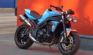 Triumph Speed Triple 1050 GULF-OIL LeMans Foto