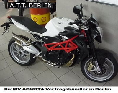 Das A.T.T.-Team ist mit MV Agusta  am30.4-05. bei der Saisoneröffnung auf der Spinnerbrücke