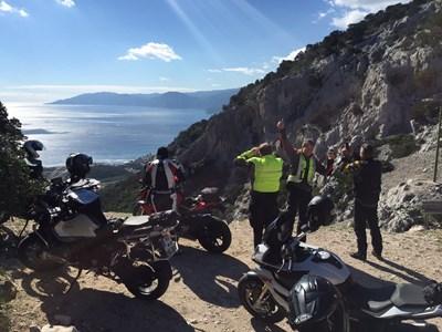 Sardinien - Kurven, Berge und Meer