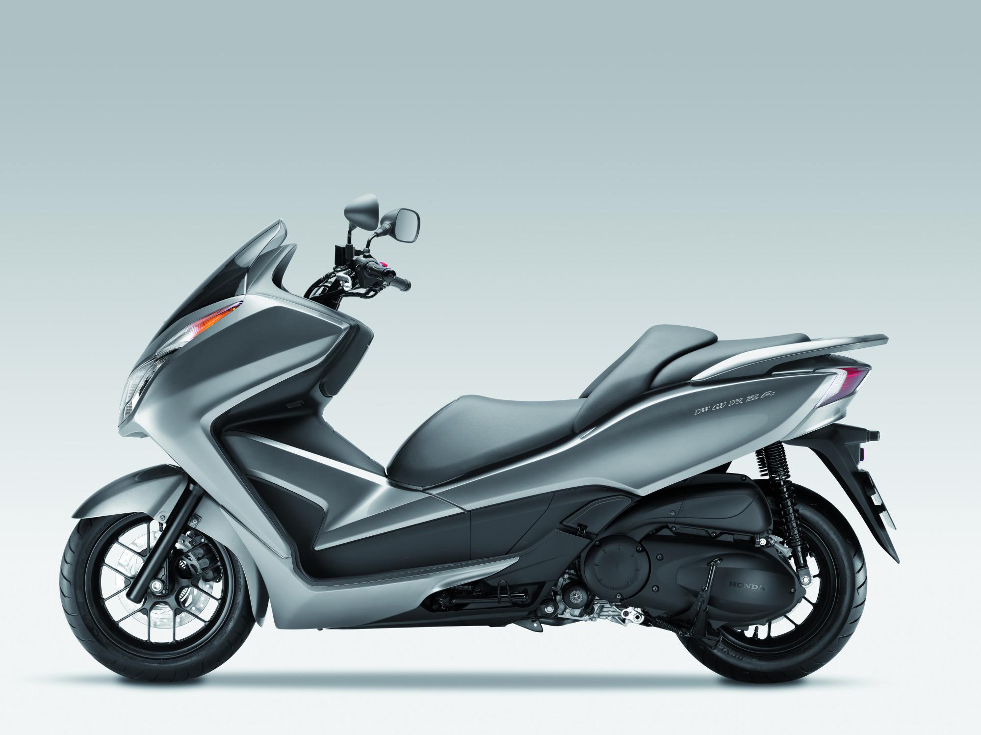Honda NSS 300 Forza Foto 3