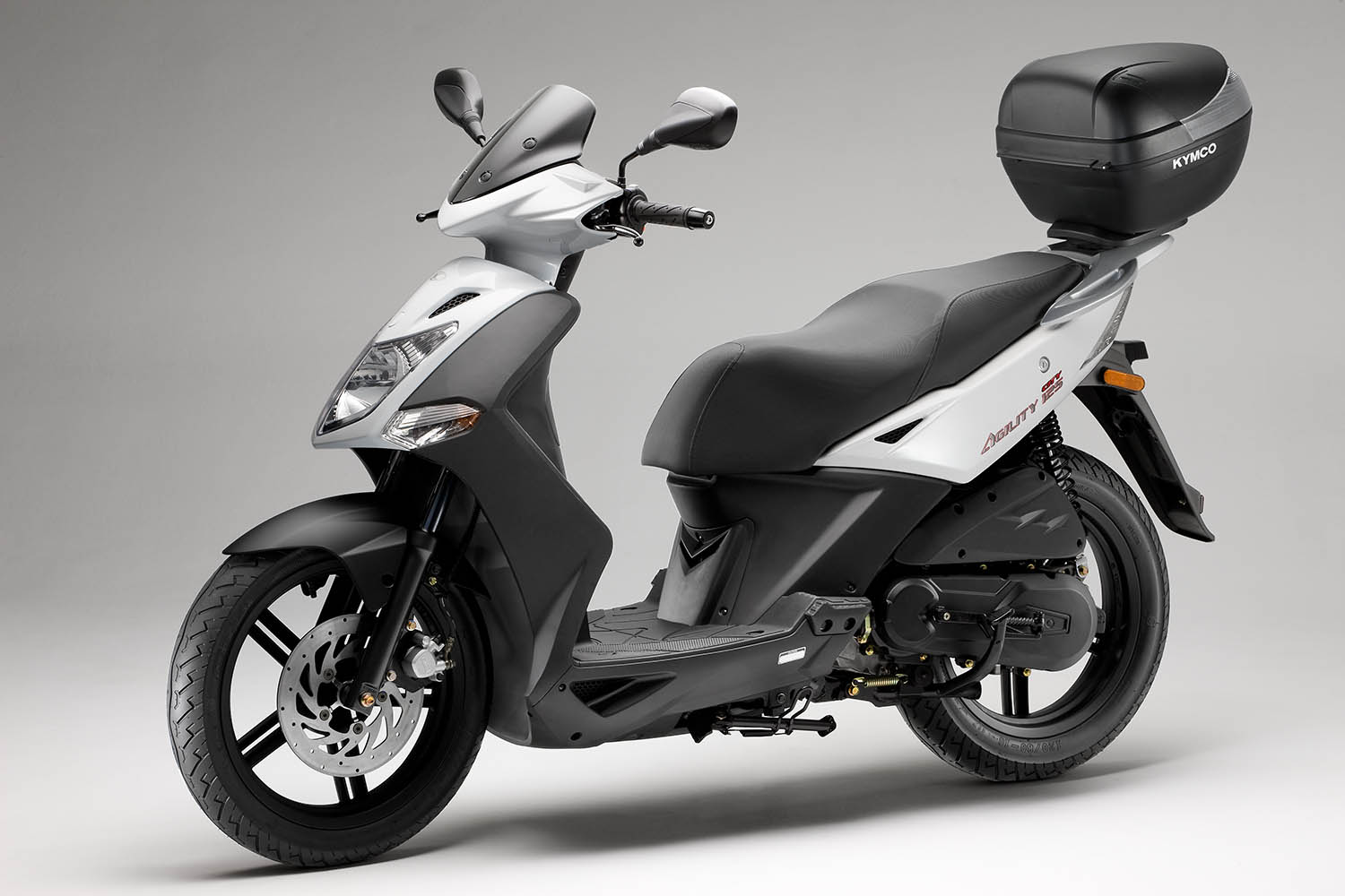 people kymco motor scooters  people  free engine image for