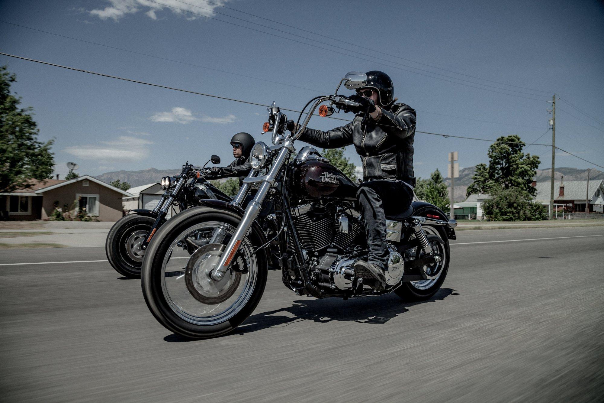 Harley Davidson Street Bob Breite