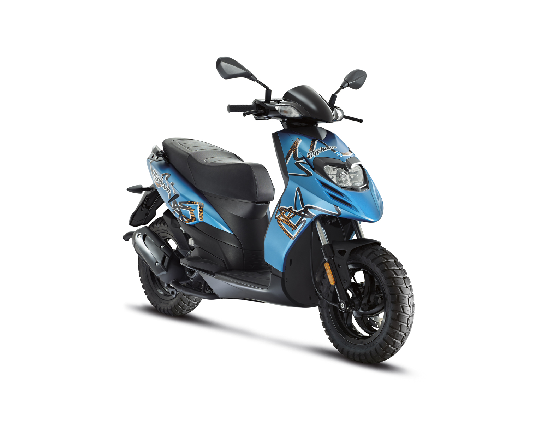 Yamaha Scooty Images