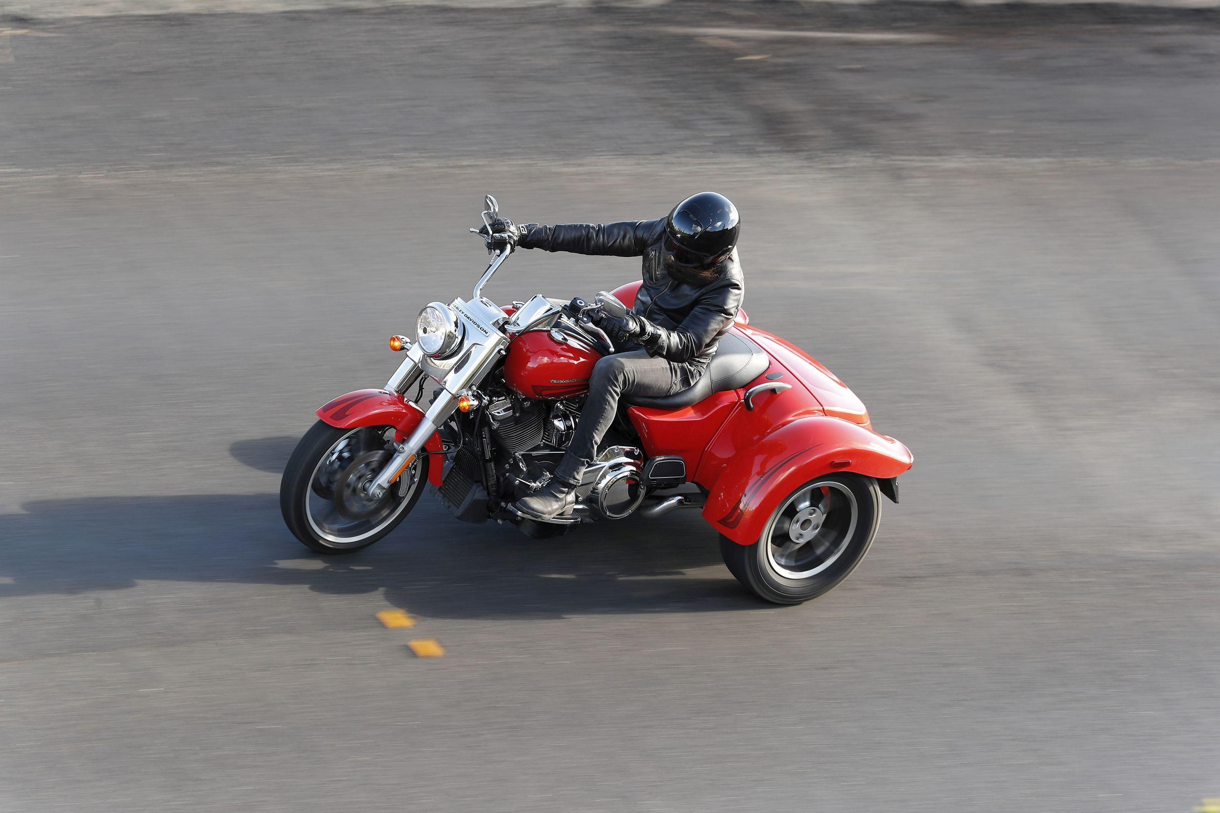 2017 Harley Davidson Tri Glide Ultra Review: Motorrad Occasion Harley-Davidson Tri Glide Ultra Classic