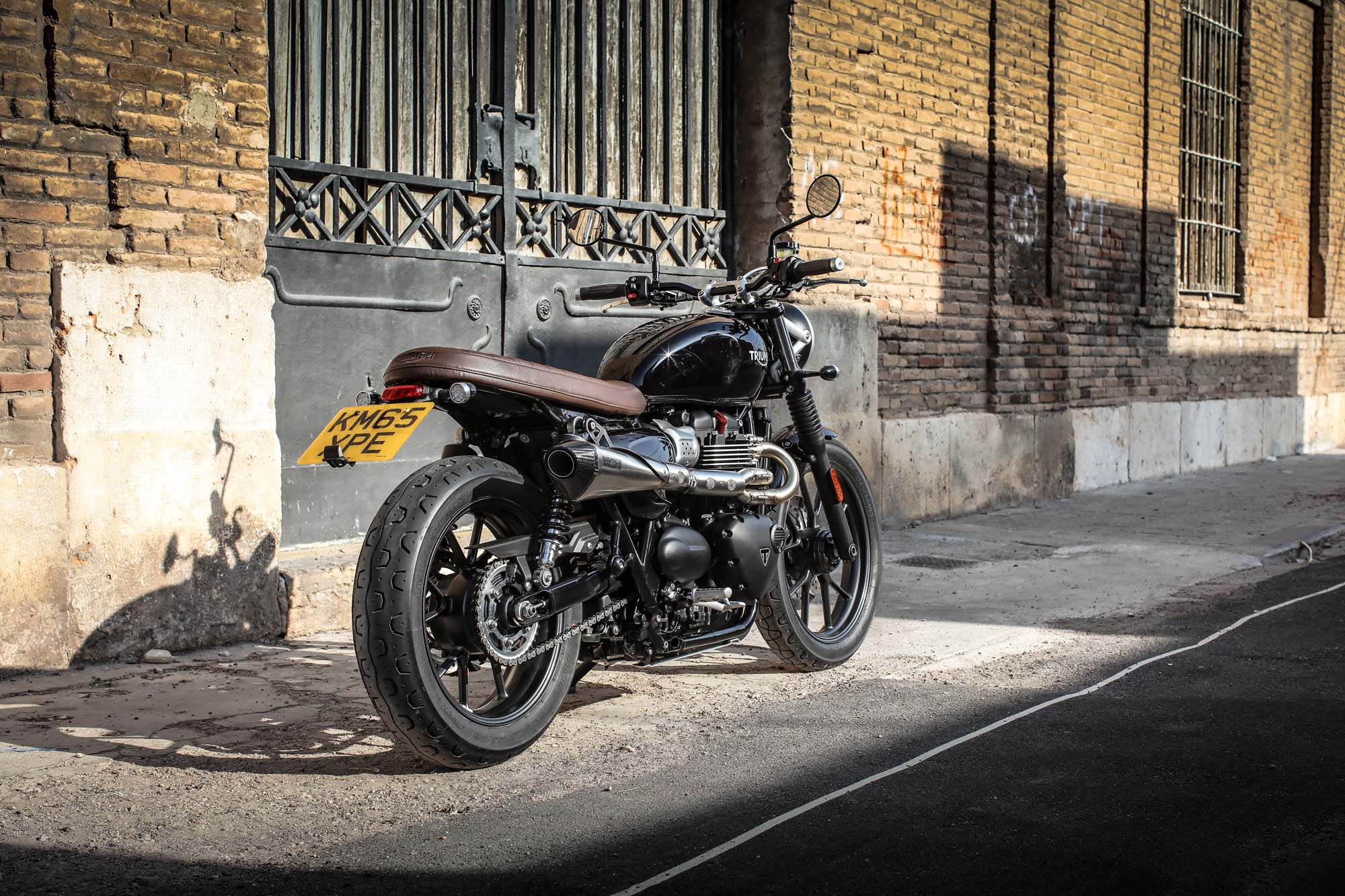 triumph street twin all technical data of the model. Black Bedroom Furniture Sets. Home Design Ideas