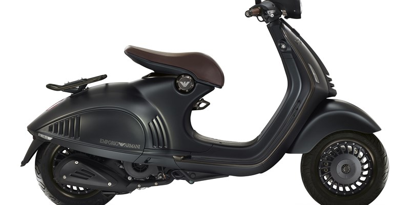 aktuelle roller motorrad modelle. Black Bedroom Furniture Sets. Home Design Ideas