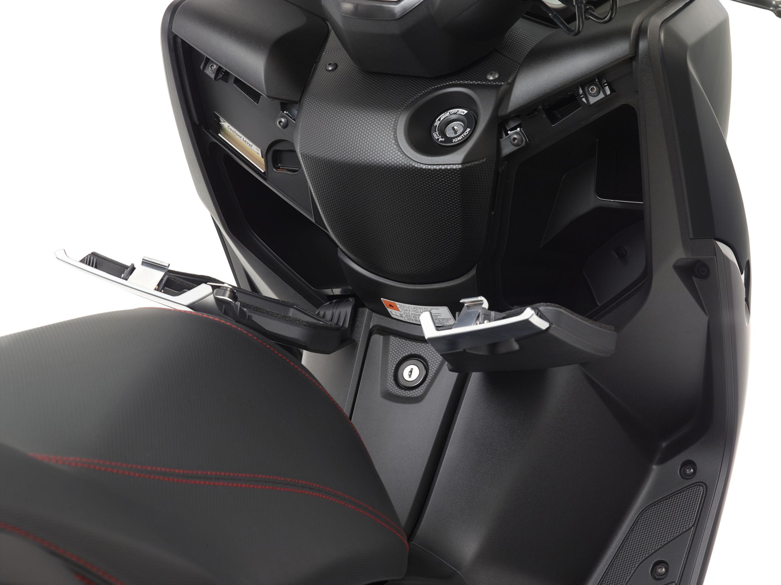 gebrauchte und neue yamaha x max 125 motorr der kaufen. Black Bedroom Furniture Sets. Home Design Ideas