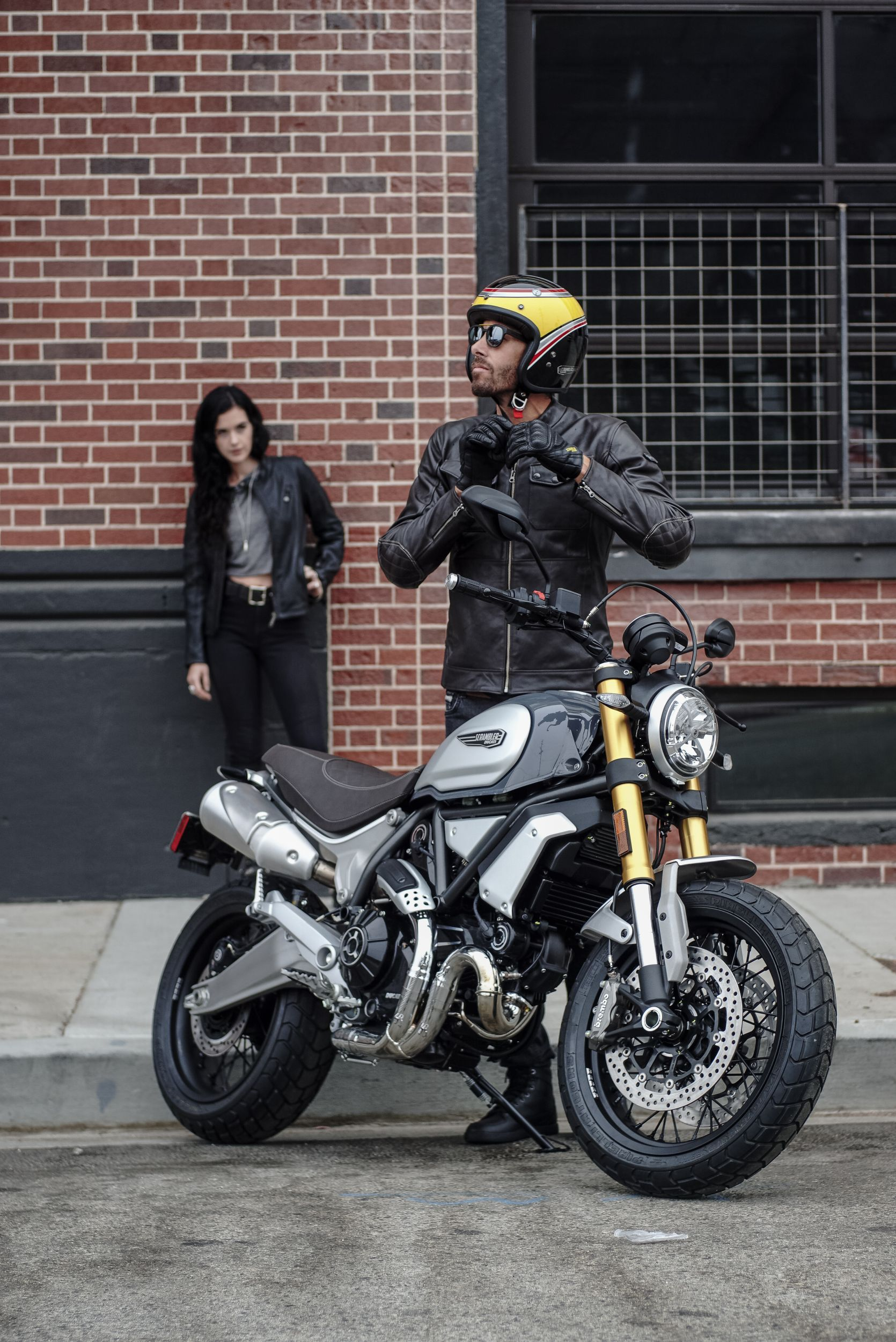 ducati scrambler 1100 special online kaufen. Black Bedroom Furniture Sets. Home Design Ideas