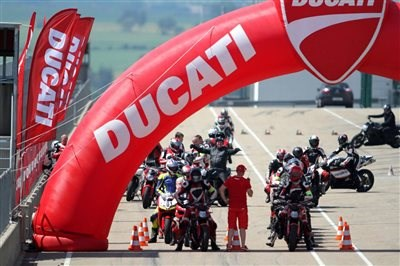 Ducati 4U Rennstreckentrainings 2014