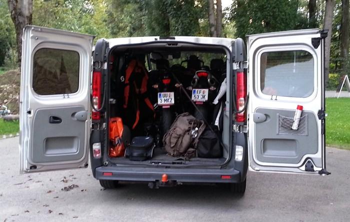 motorradtransporter f r 2 bikes 1000ps onlineshop. Black Bedroom Furniture Sets. Home Design Ideas