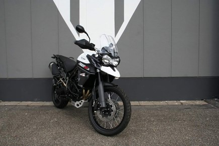 HIRE Triumph Tiger 800 XCx