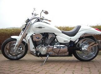 Umgebautes Motorrad Suzuki Intruder M1800R2 von Bike Ranch
