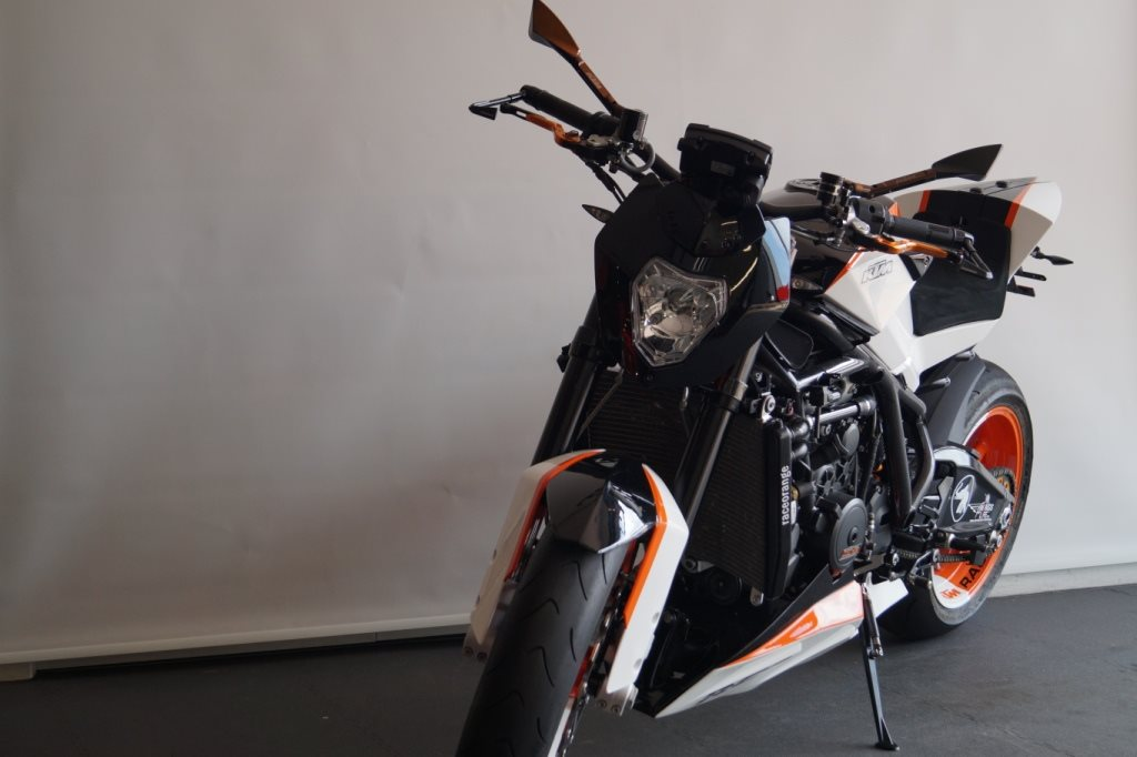 Umgebautes Motorrad KTM 1190 RC8 von KTM BRAUMANDL - 1000PS.at