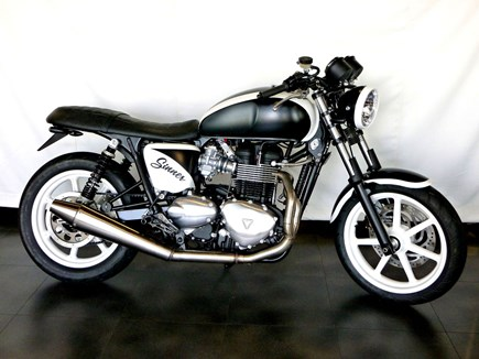 CUSTOMIZATIONS Triumph Bonneville SE