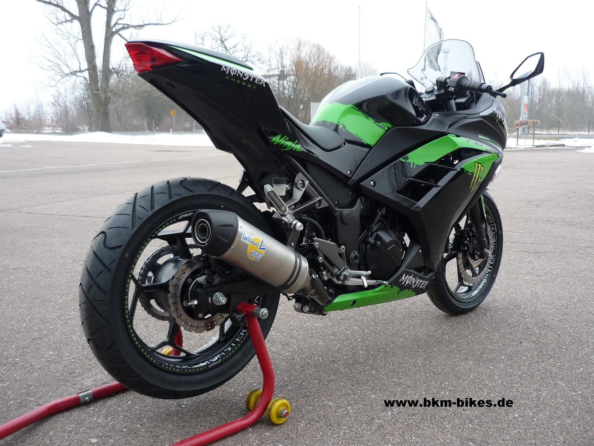 umgebautes motorrad kawasaki ninja 300 von bkm bikes. Black Bedroom Furniture Sets. Home Design Ideas