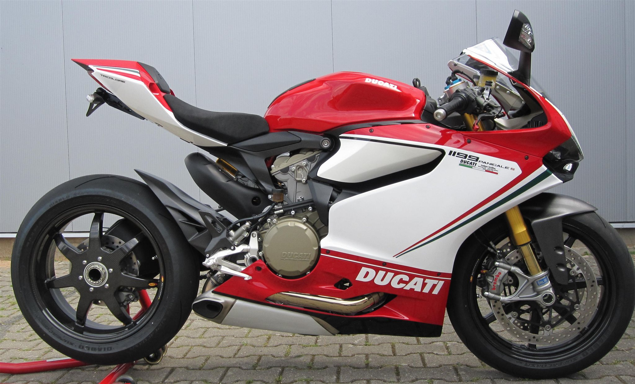 Ducati Monster   Akrapovic