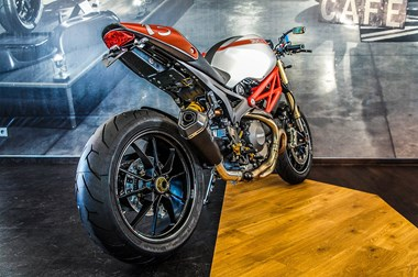/umbau-ducati-monster-1100-evo-38453