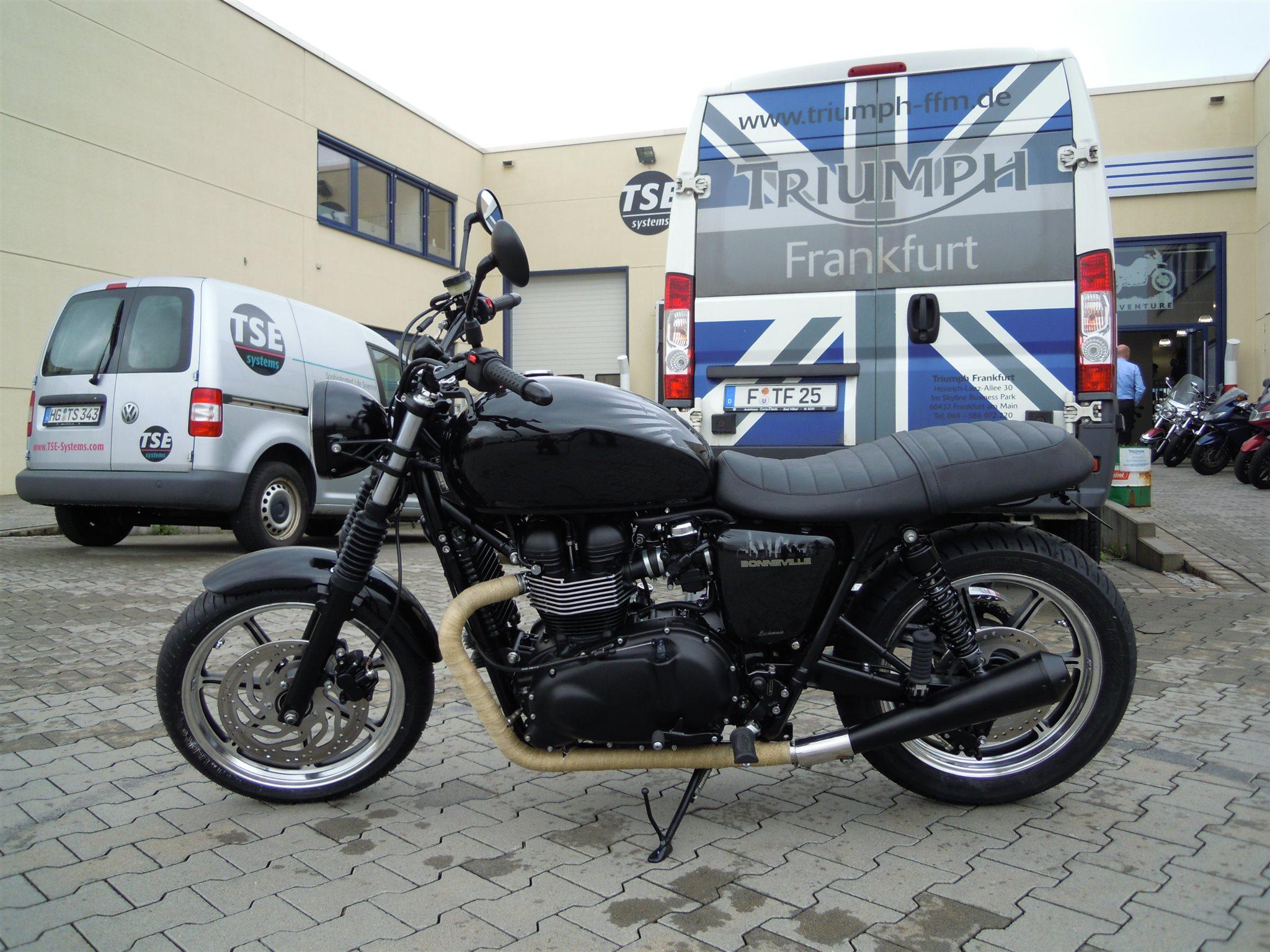 umgebautes motorrad triumph bonneville se von triumph retail gmbh niederlassung frankfurt. Black Bedroom Furniture Sets. Home Design Ideas