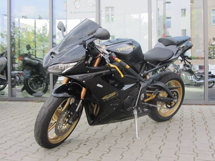 CUSTOMIZATIONS Triumph Daytona 675