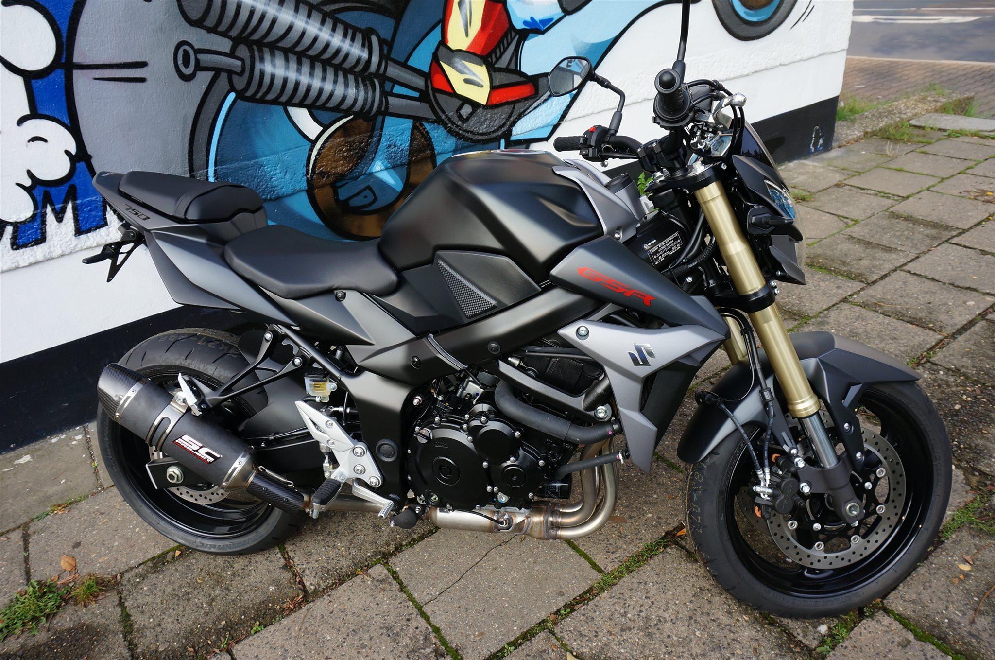 umgebautes motorrad suzuki gsr 750 von motorradhaus steinbach gmbh. Black Bedroom Furniture Sets. Home Design Ideas
