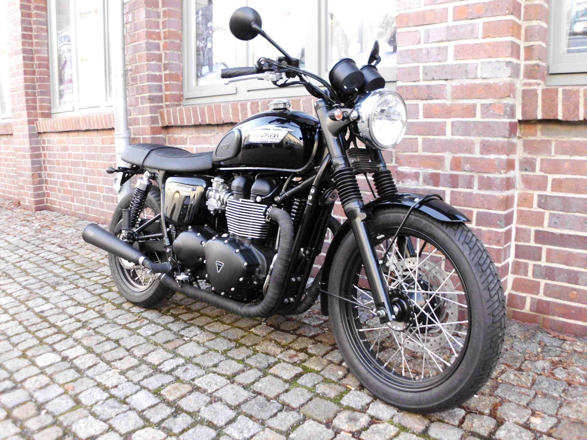 umgebautes motorrad triumph bonneville t100 black von kehl klingenberger gbr. Black Bedroom Furniture Sets. Home Design Ideas