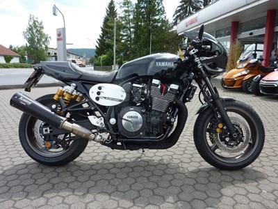 XJR 1300 Racer