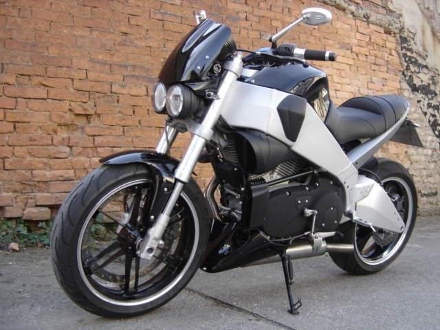 Umgebautes Motorrad Buell S1 Lightning von Wild East
