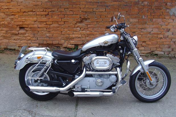 umgebautes motorrad harley davidson sportster xl 883 l. Black Bedroom Furniture Sets. Home Design Ideas