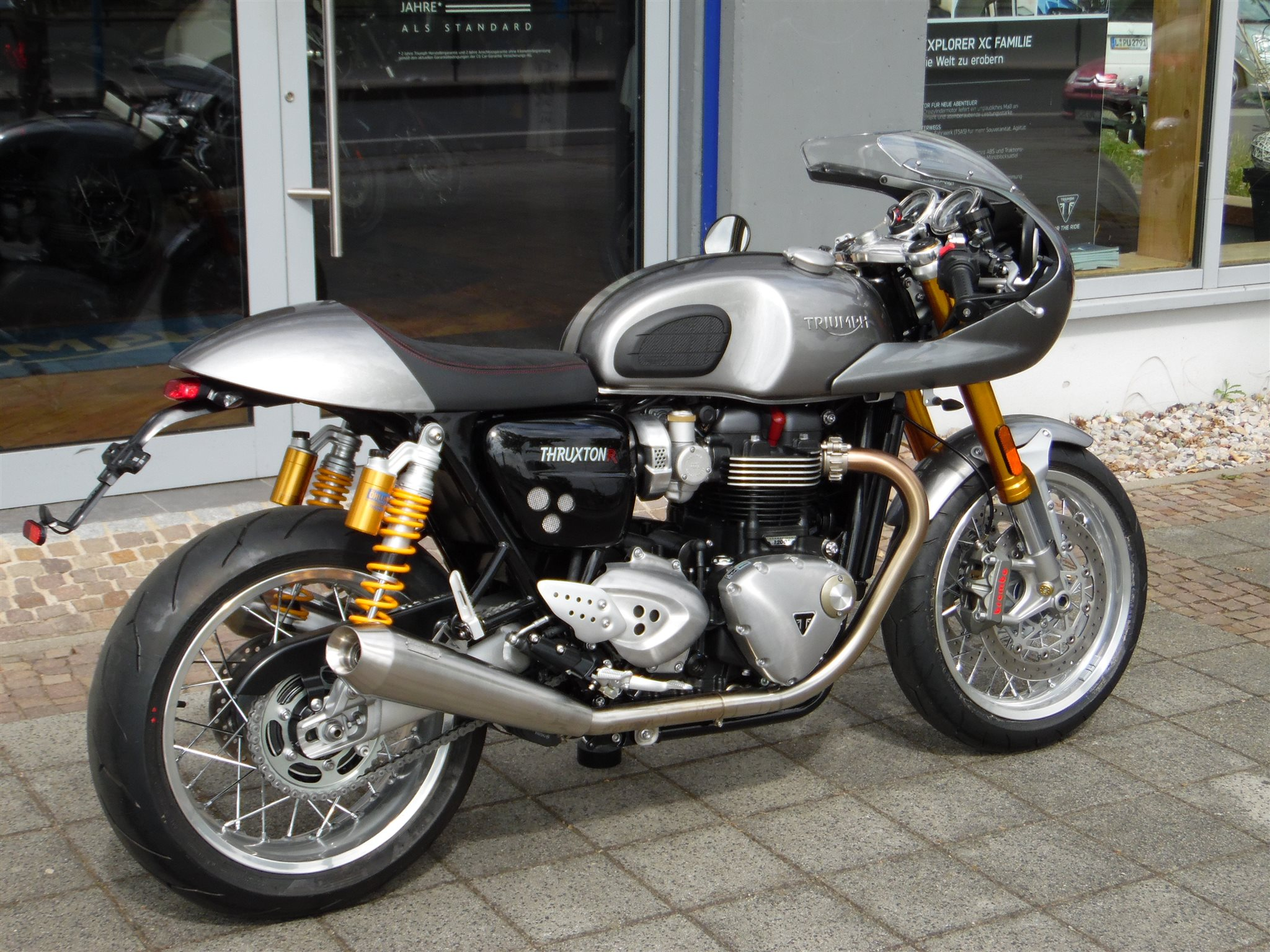 umgebautes motorrad triumph thruxton 1200r von kehl klingenberger gbr. Black Bedroom Furniture Sets. Home Design Ideas
