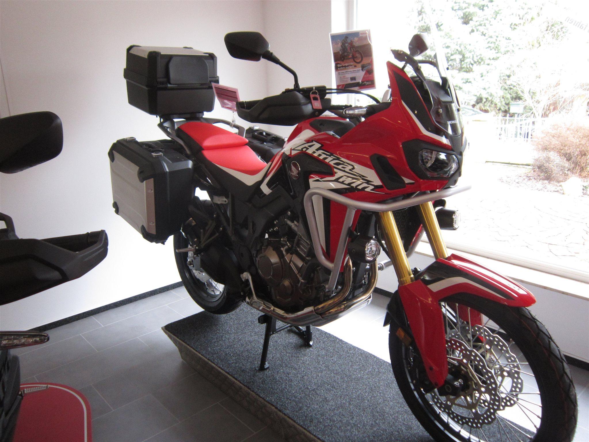 umgebautes motorrad honda crf1000l africa twin von. Black Bedroom Furniture Sets. Home Design Ideas
