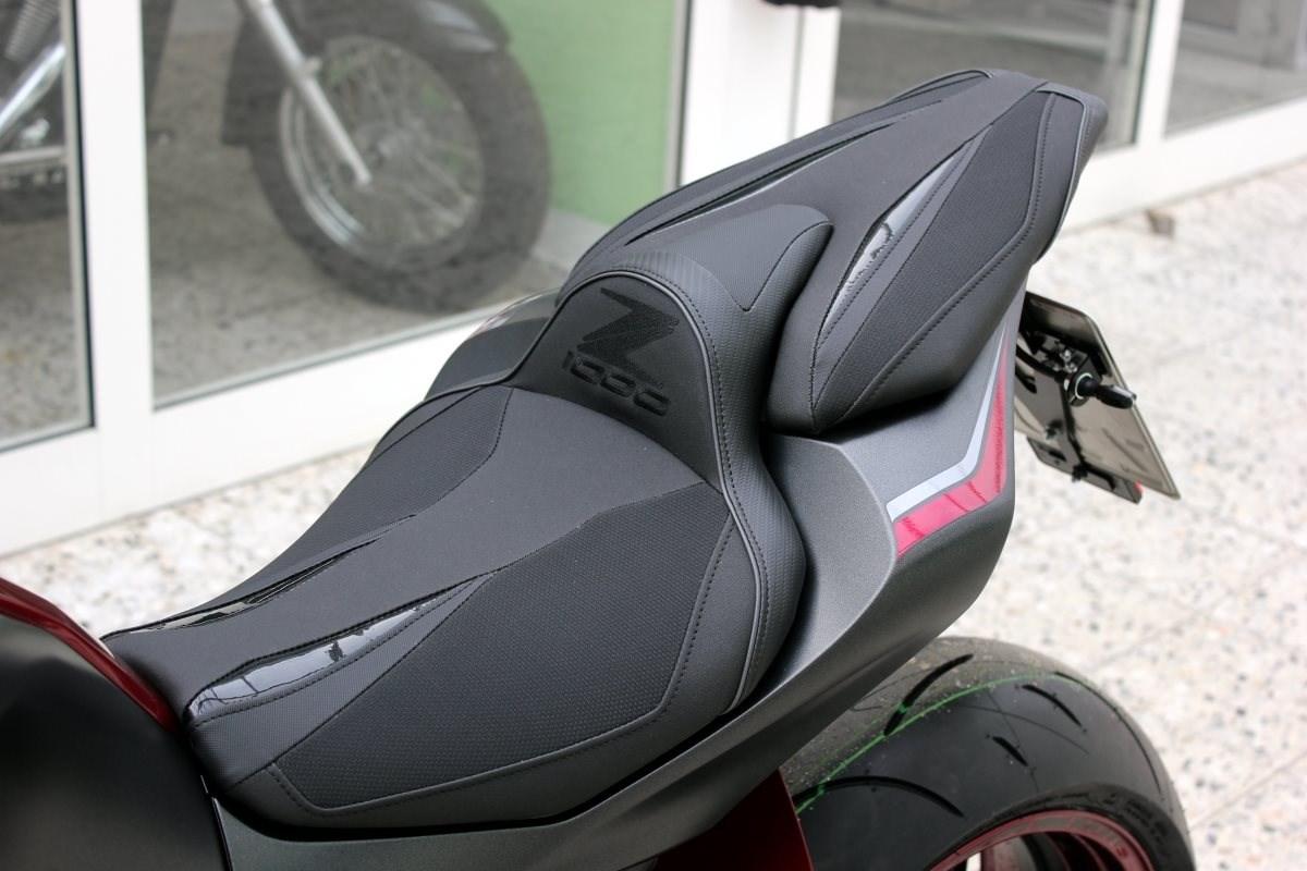 details zum custom bike kawasaki z1000 des h ndlers. Black Bedroom Furniture Sets. Home Design Ideas