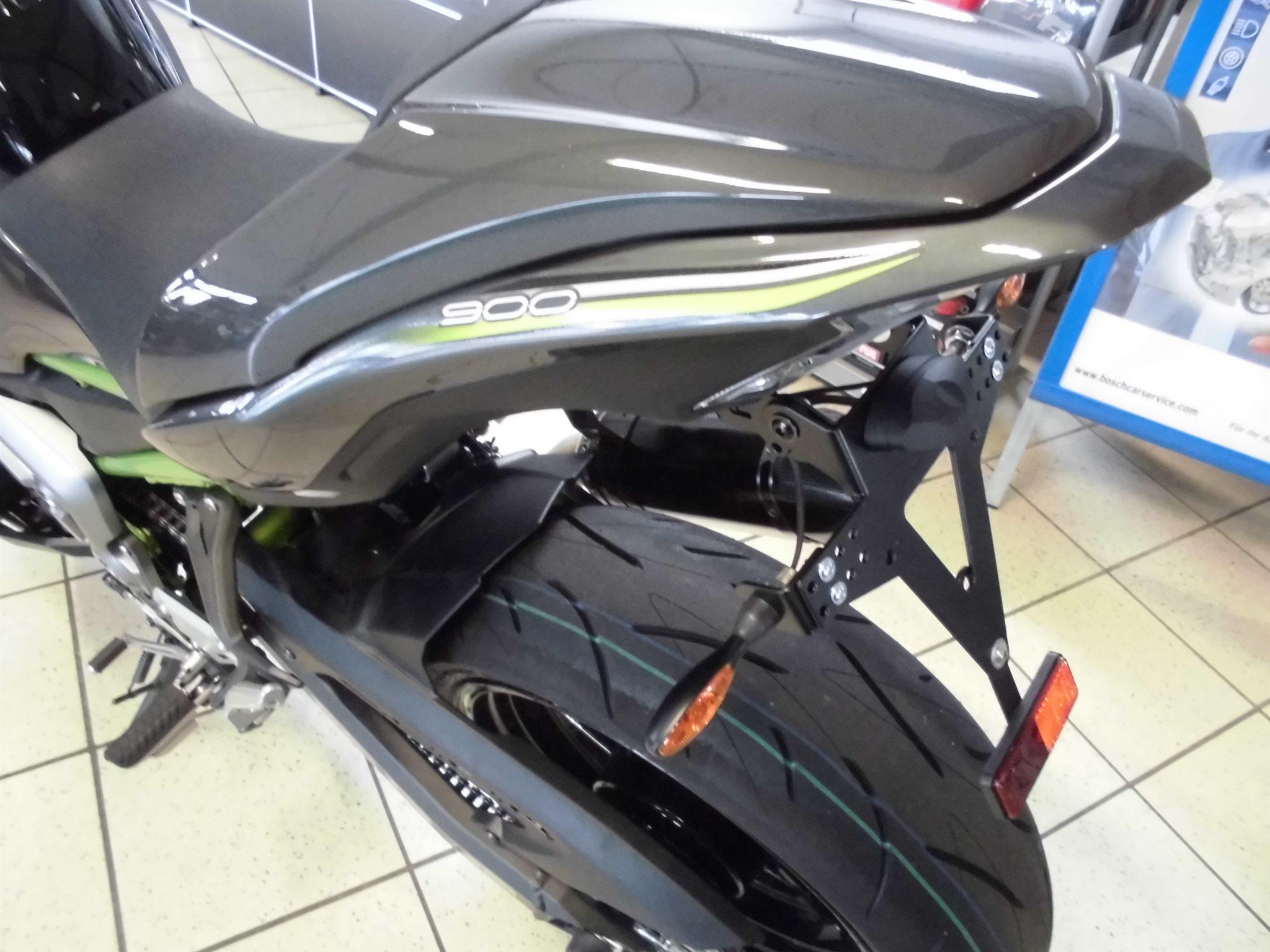 details zum custom bike kawasaki z900 des h ndlers team. Black Bedroom Furniture Sets. Home Design Ideas