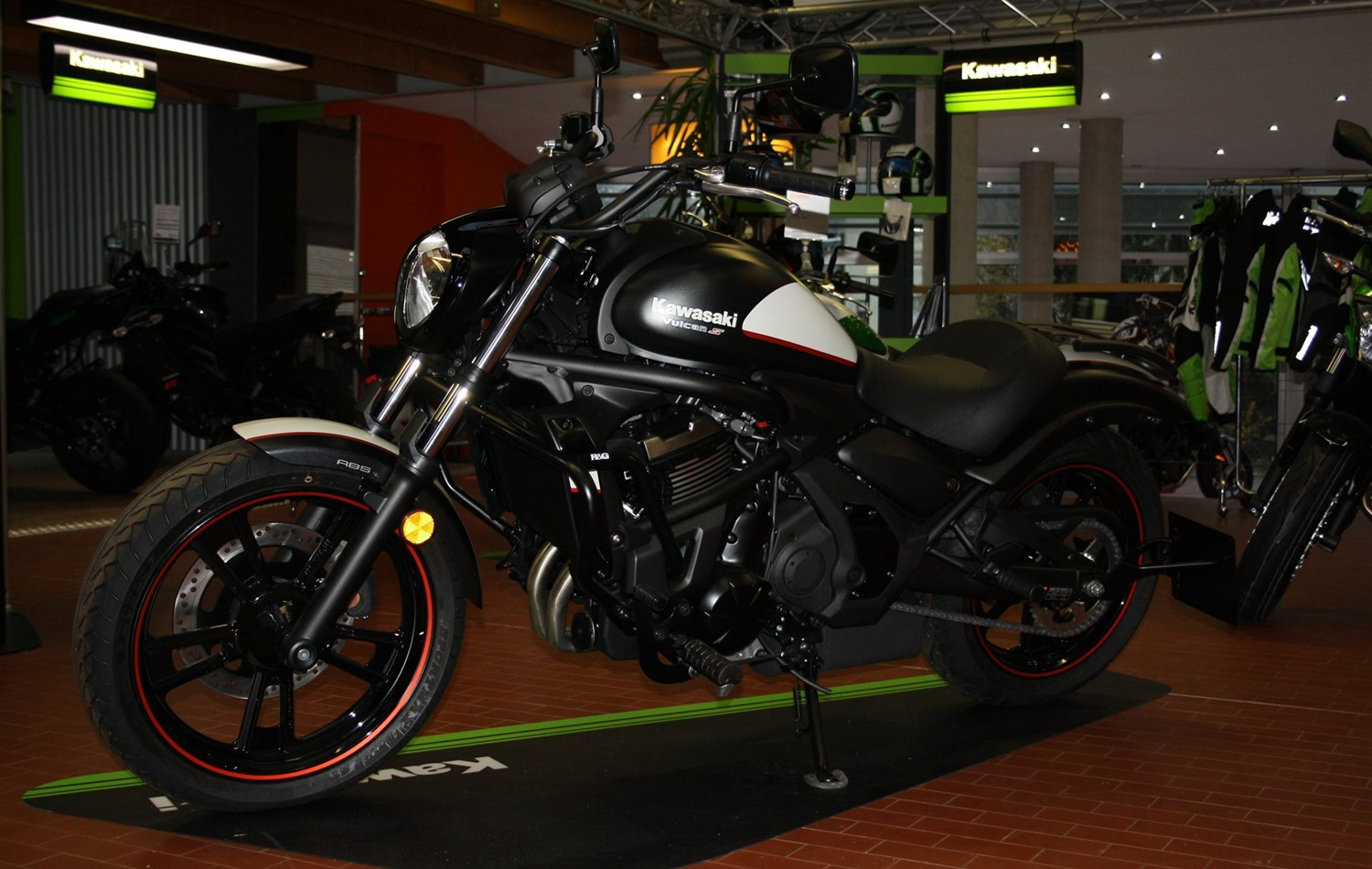 details zum custom bike kawasaki vulcan s special edition. Black Bedroom Furniture Sets. Home Design Ideas