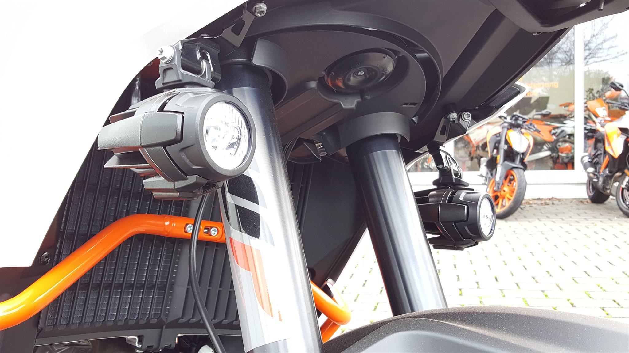 details zum custom bike ktm 1090 adventure r des h ndlers. Black Bedroom Furniture Sets. Home Design Ideas